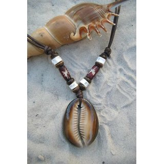 Necklace with Kauri Shell